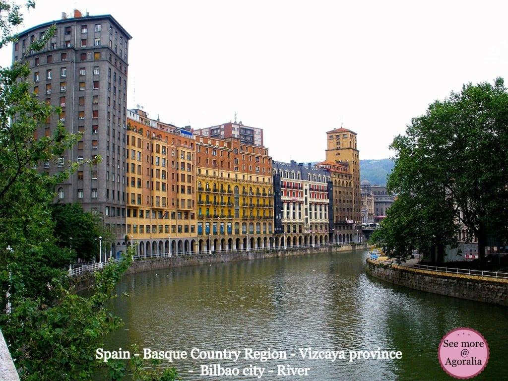 Spain - Basque Country Region - Vizcaya province - Bilbao city - River