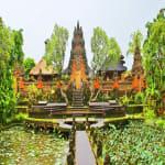 Indonesia-Lesser-Sunda-Islands-Bali-Island-Ubud-Village-Monument-Ubud-Monkey-Forrest