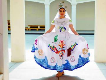 Agoralia-Mexico-Culture-Dress