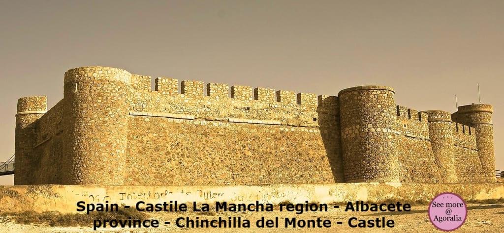 Spain-Castile-La-Mancha-region-Albacete-province-Chinchilla-del-Monte-Castle