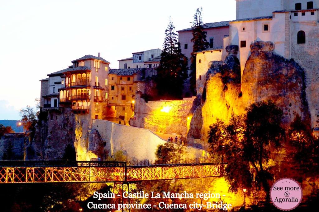 Spain-Castile-La-Mancha-region-Cuenca-province-Cuenca-city-Bridge