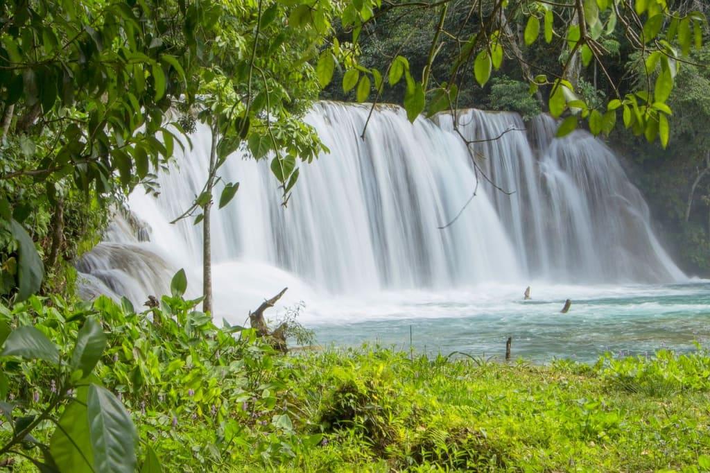 Mexico-Chiapas-Region-Forrest-Waterfalls