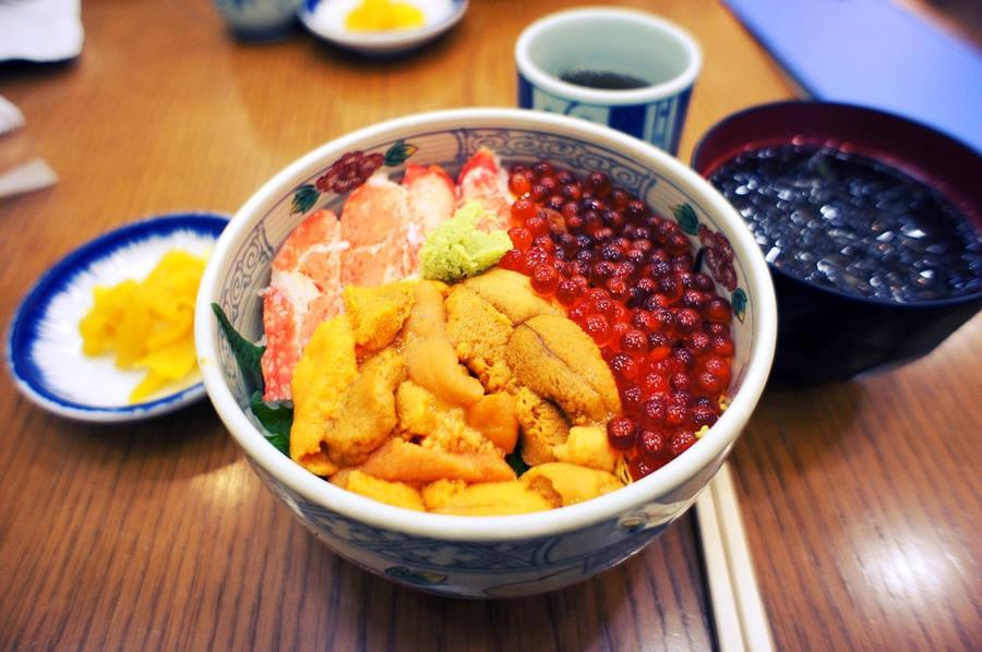 Japan-Food-Kaisendon-seafood-rice