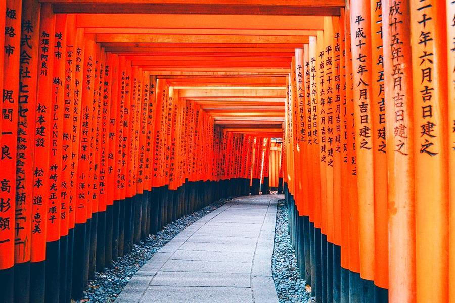 Japan-Landmark-Fushimi-Inari-Shine-architecture