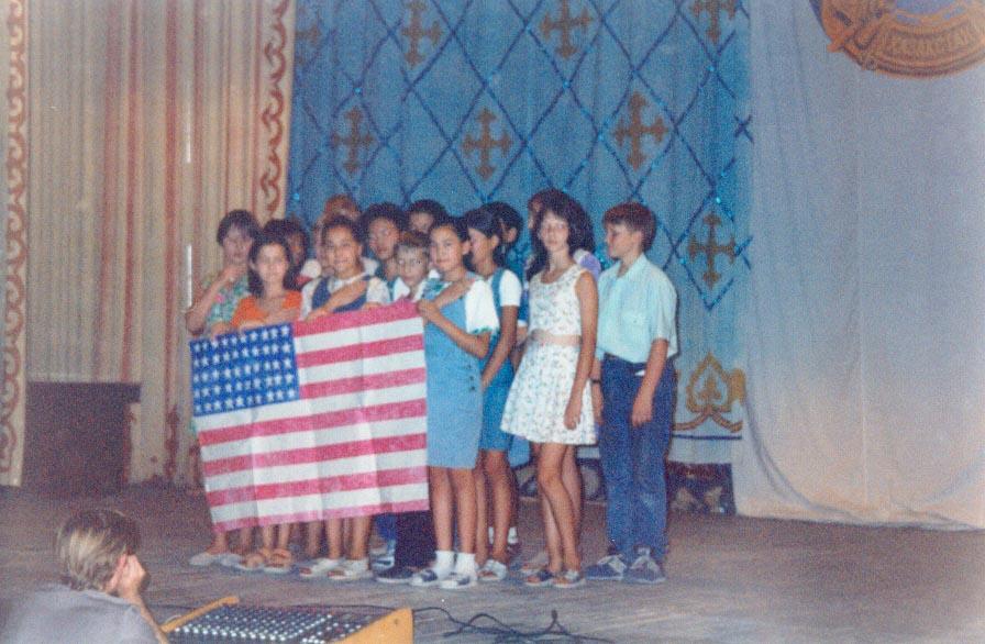 My students singing the US national anthemn in Kapchagay.