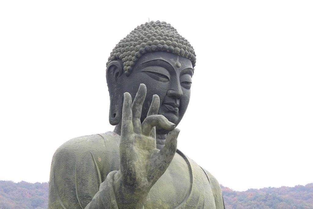 gyeongbok palace buddha statue