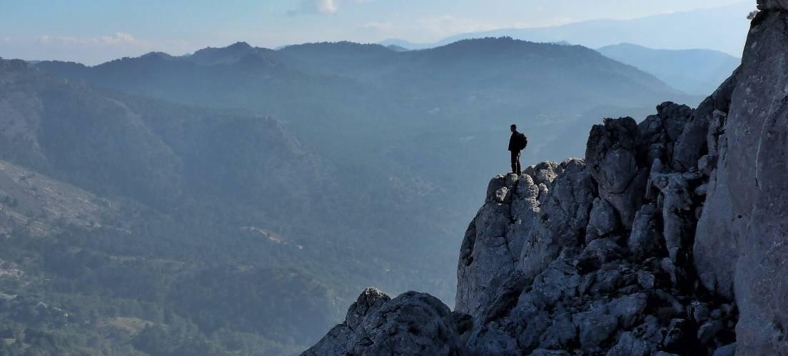 Descending the Penon de la Mata