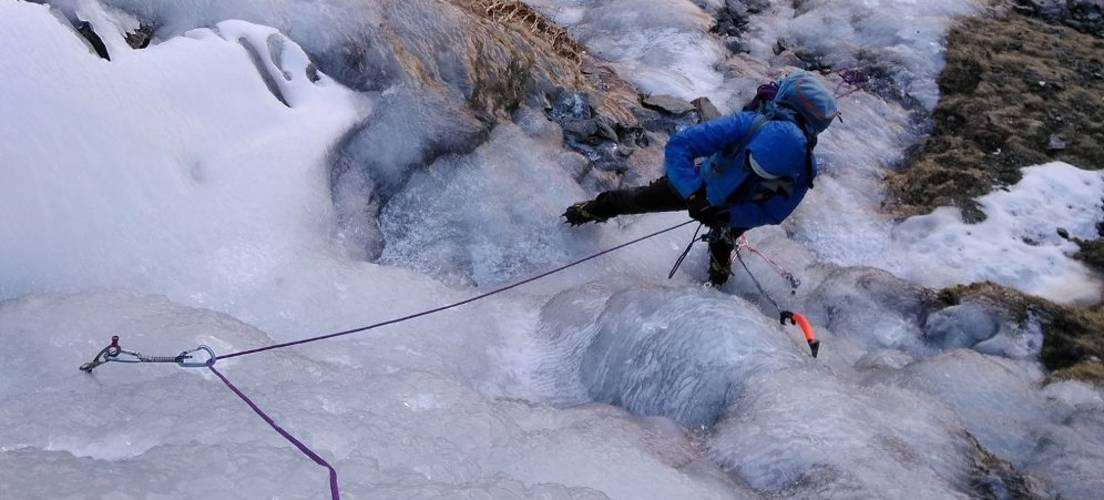 Ice climbing Barranco del Alhori