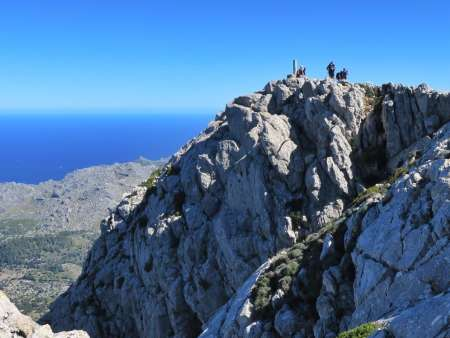 Summit of Puig Tomir! Walking in Mallorca