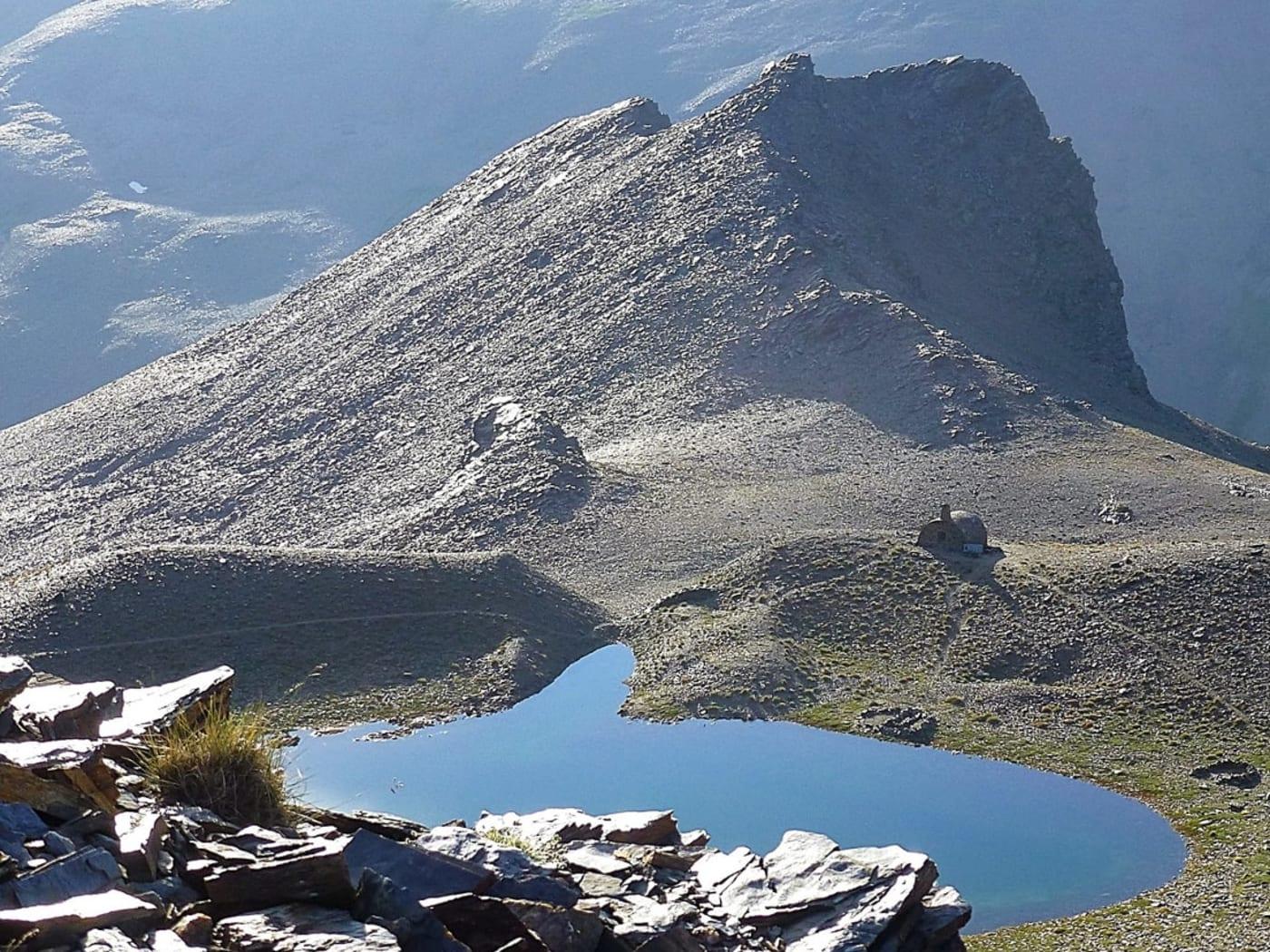 The Mountain Lakes of the Sierra Nevada