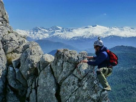 Ropework and climbing courses near Granada