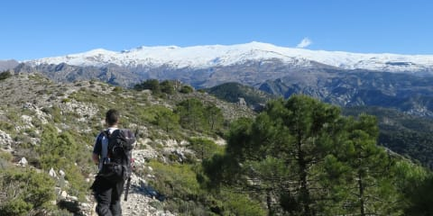 Day hikes in the Lecrin Valley area