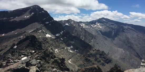 Los Tres Miles traverse the main peaks of the Sierra Nevada