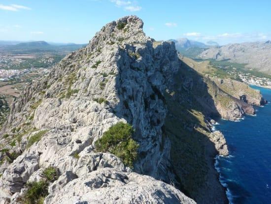 Scrambling the magnificent Cavall Bernat ridge, Mallorca
