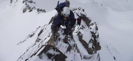 Mountaineering traverse of the Raspones ridge, Sierra Nevada