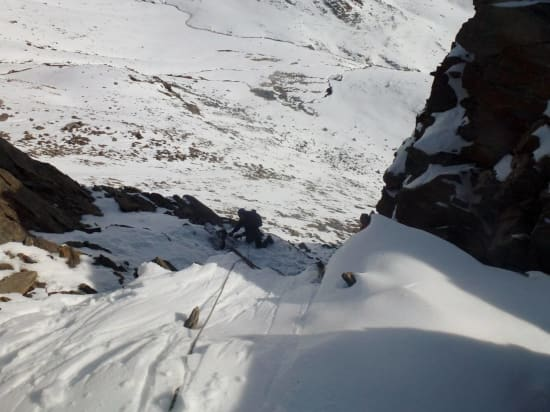 Abseiling of the upper ridge