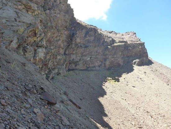 Under the overhanging cliffs of the Tajos de Goterón