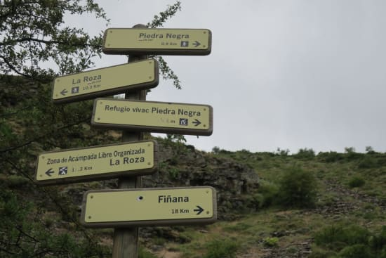 Day 1 - confusing signpost with some important details missing!