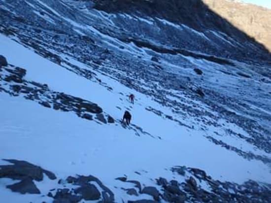 Approaching the ridge