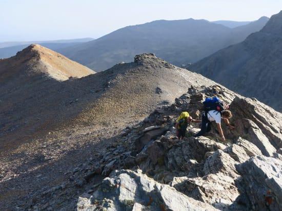 Scrambling on the ridges near Juego de Bolos
