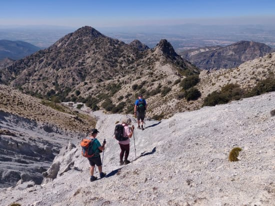 Start of the descent from the col at Puntales del Tigre