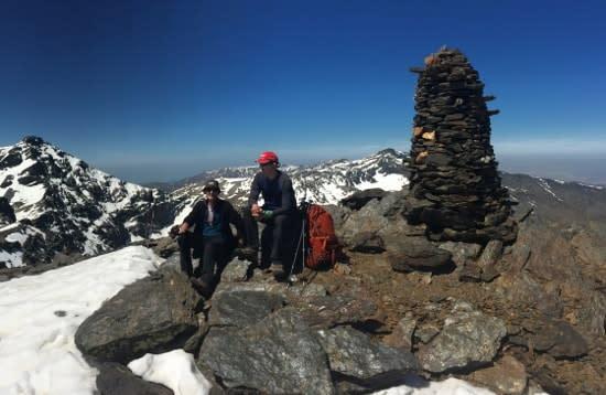 Traversing the Los Tres Miles ridges