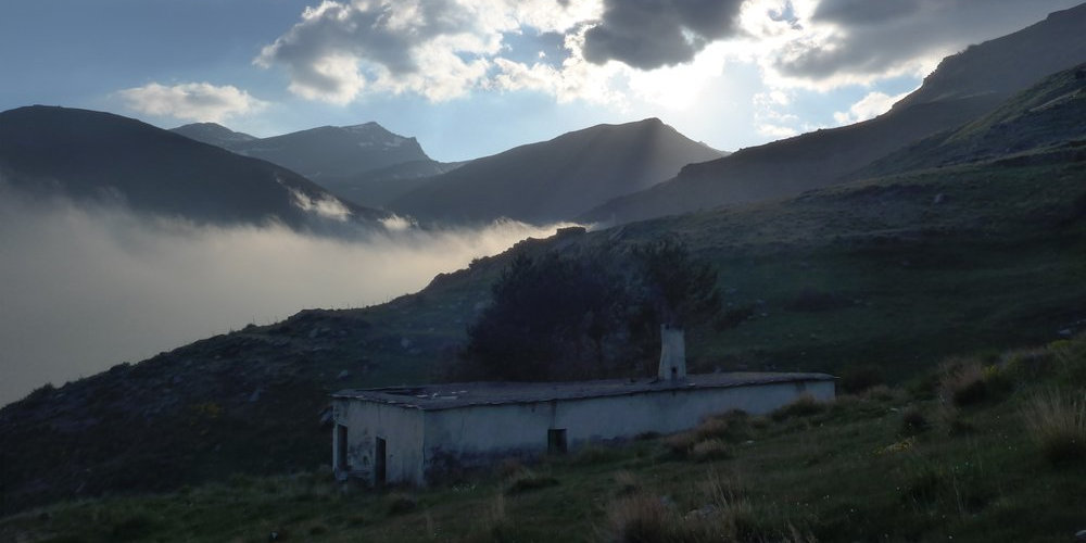 The Refugio Horcajo at the end of the Trevelez valley