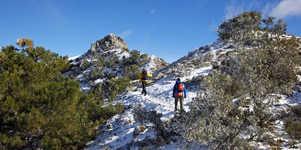 Ascending Pico de Carne, Cerro Huenes group