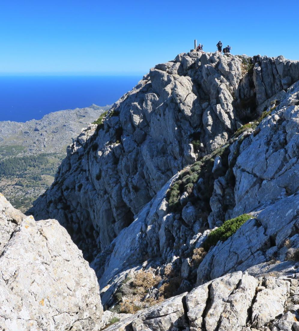 Summit of Puig Tomir! Walking in Mallorca