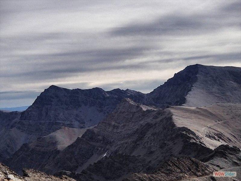 Trekking in the Sierra Nevada Slide 4