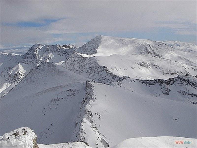 ski-touring-10_3299597405_m-min