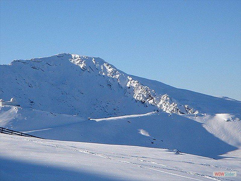 ski-touring-8_3300425194_m-min