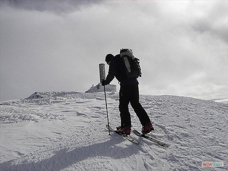 ski-touring-9_3299596649_m-min