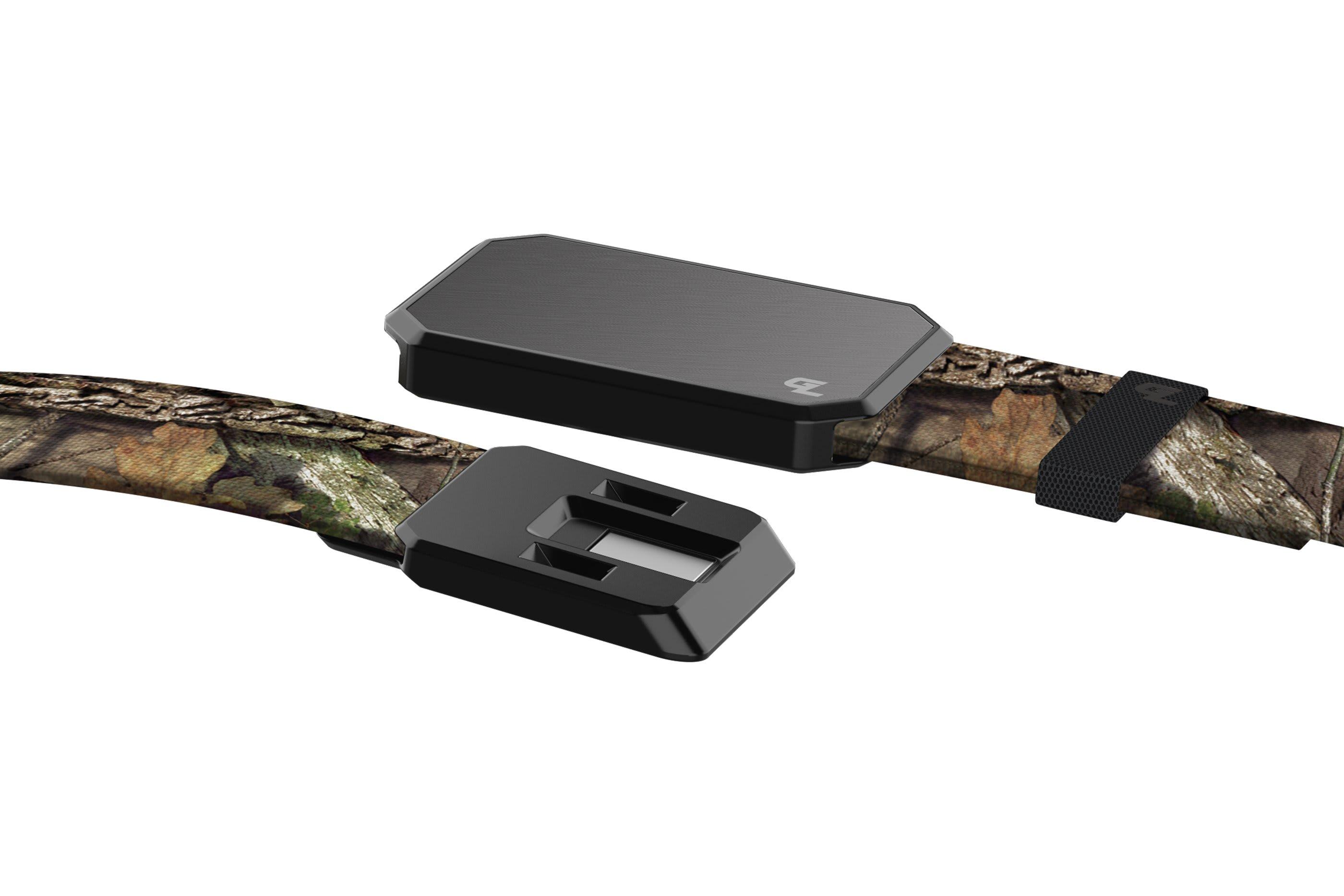 Groove Belt Mossy Oak Breakup Gun Metal close up on buckle