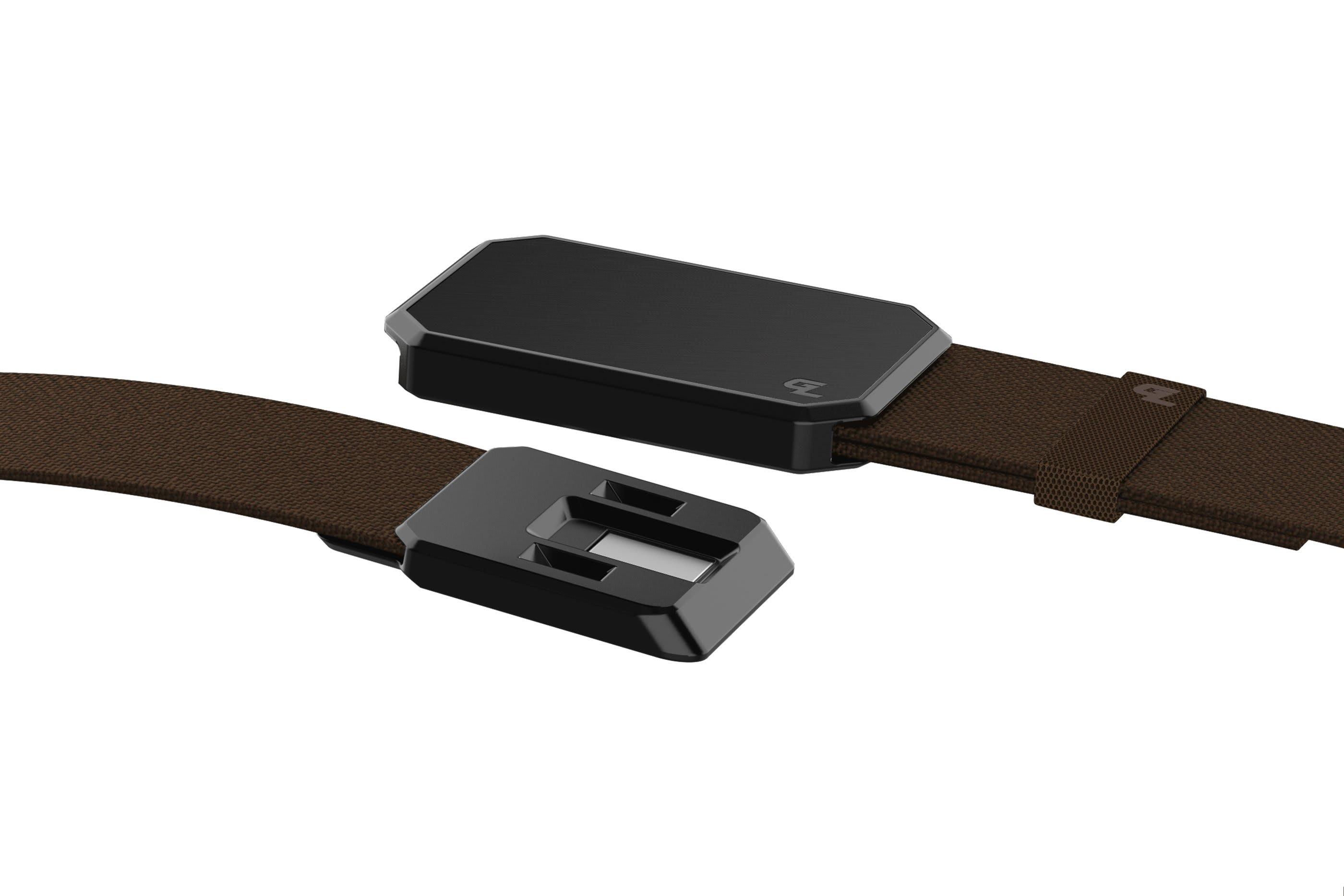Groove Belt Black/Brown close up on buckle