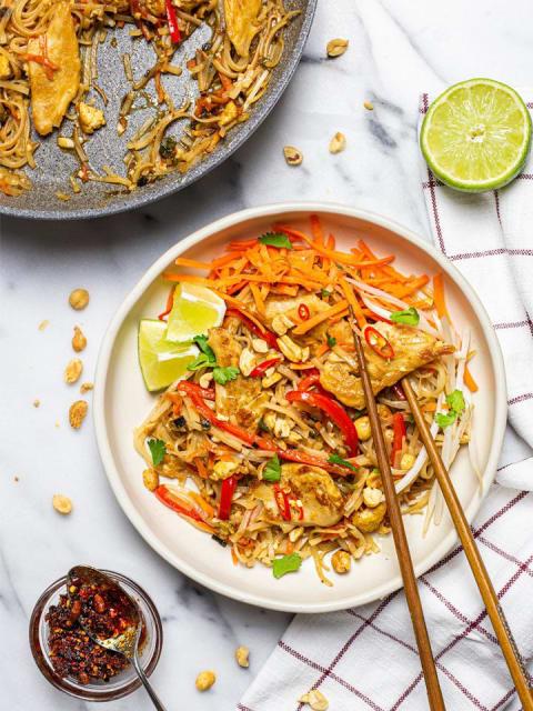 Daring Plant Based Chicken Vegan Pad Thai