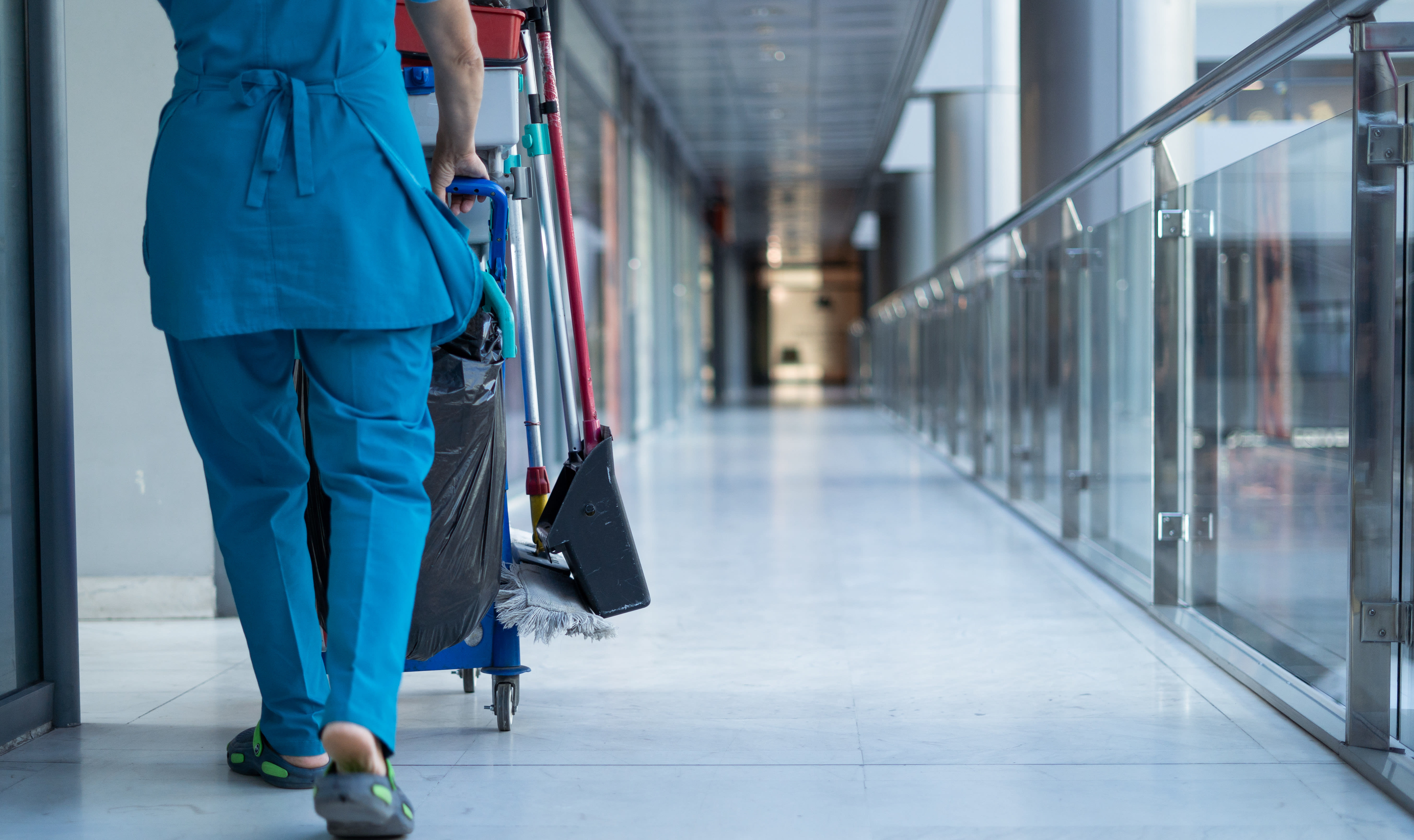4 Tips for Dealing with Cleaning Staff Labor Issues