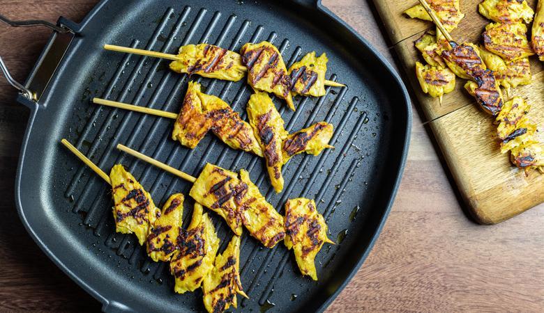 daring satay plant based chicken pieces