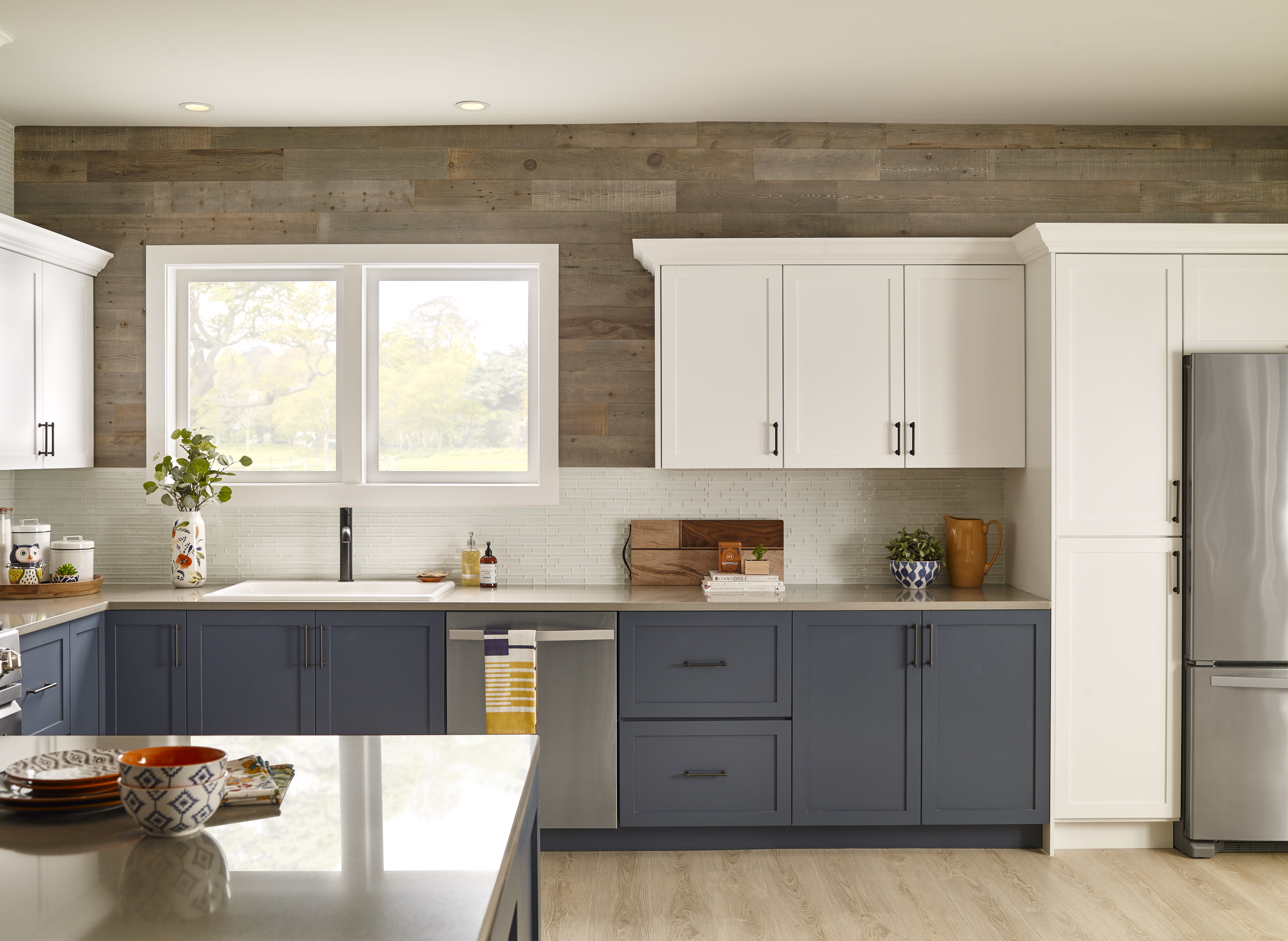 Classic kitchen with a peel and stick wood accent wall in Cobblestone finish by Stikwood.