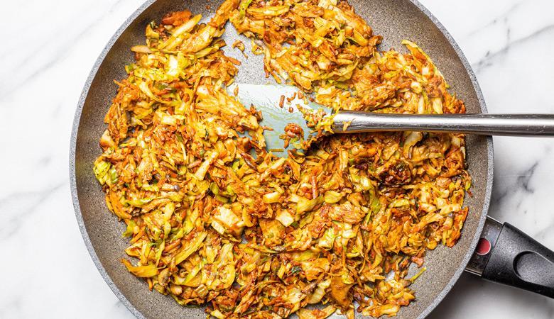 Daring mixture in a pan