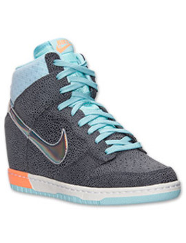 womens-nike-dunk-sky-high-premium-casual-shoes by nike