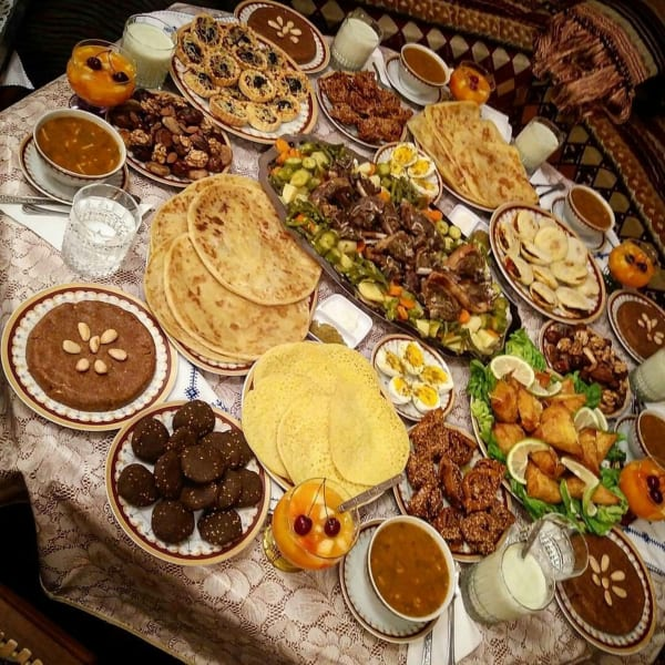 איך לרזות כשיושבים בבית עם כל האוכל מסביב?
