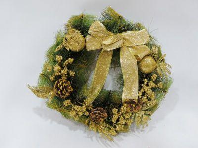 Corona de navidad con bolas...