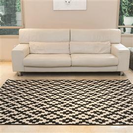 שטיח גאומטרי מעויינים
