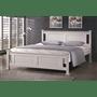 מיטה זוגית מעץ מלא לבן