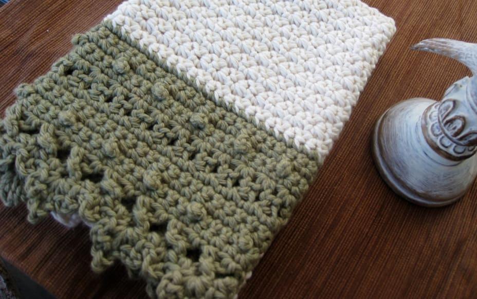 Folded crochet finger towel