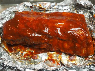 Ribs Brushed with Barbecue Sauce