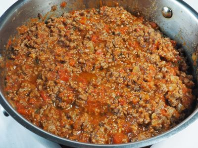 Mix the Spaghetti Sauce with the Drained Beef