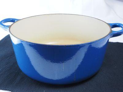 6 Qt. Enameled Cast Iron Pot