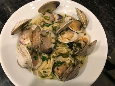 Linguine with Clam Sauce with Littleneck Clams